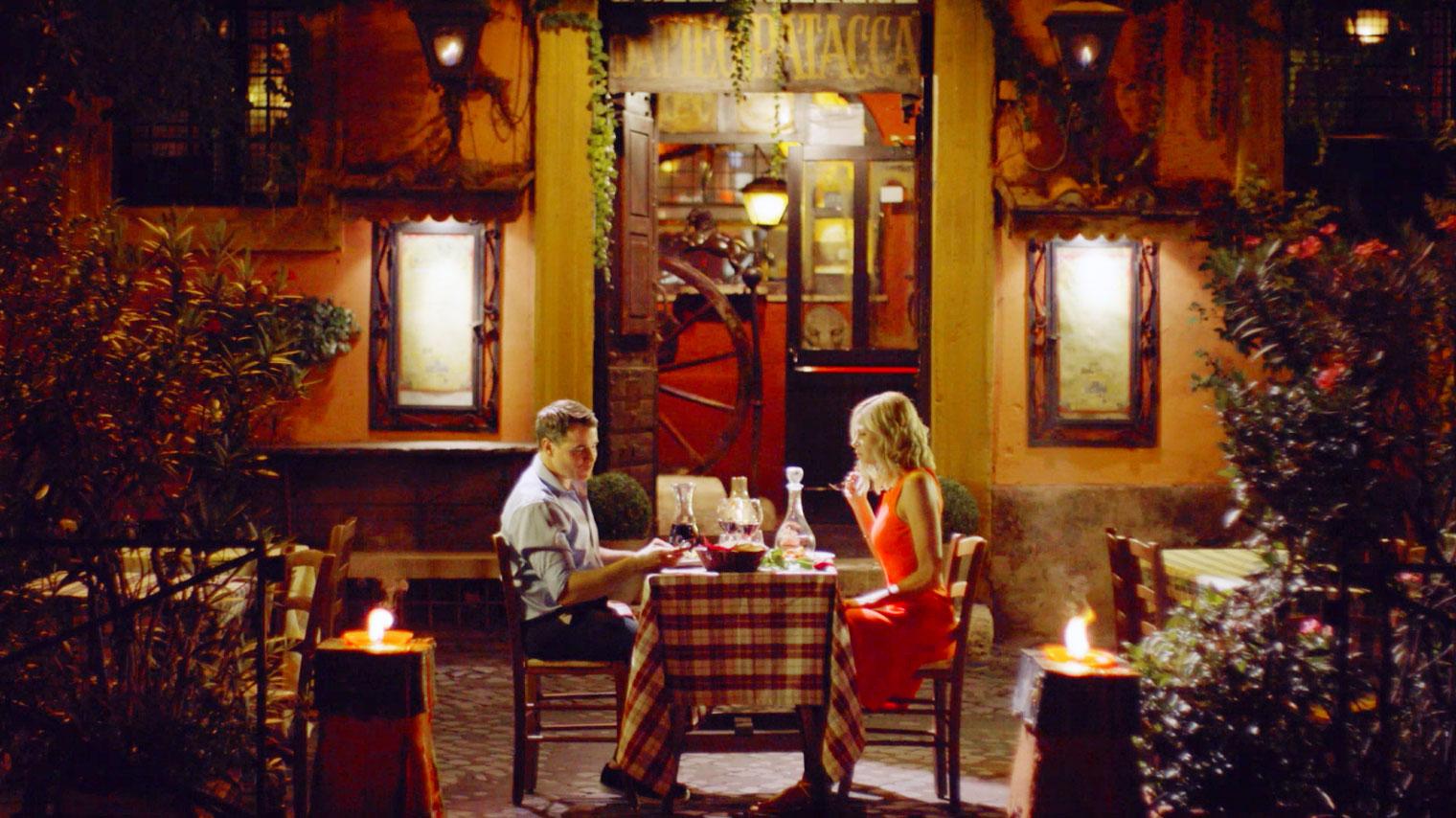 MO-2014-Video-Screen-Shot_Villa-Restaurant_CXjhm
