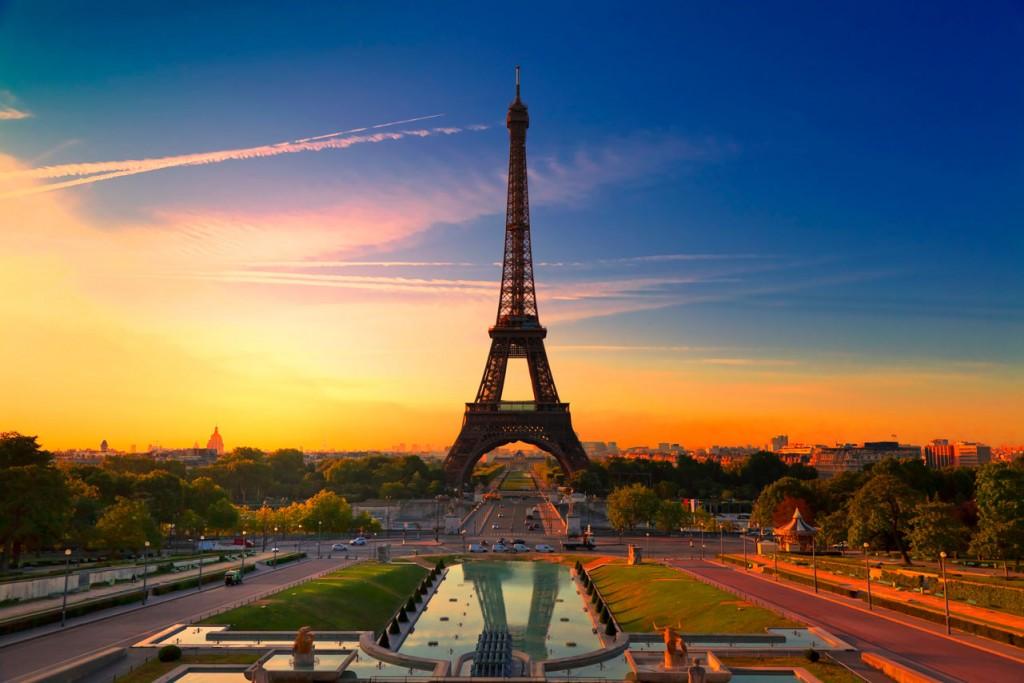 France_Paris_Eiffel-Tower-Sunrise_iStock_000016924437XXXLarge
