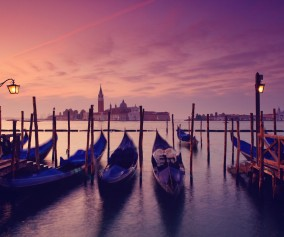 Venice_Gondolas-at-Dawn-iStock_000020112245XXLarge