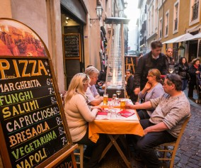 iStock_000036527436_Large-pizza-rome