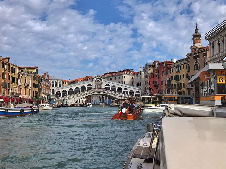 Luxe-Adventure-Traveler-Boat-Taxi-Transfer-Venice-Monograms-2
